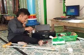 Luthfi, Pemuda Disabilitas Dengan Banyak Karya